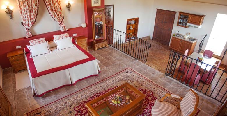 http://www.masialamota.com/wp-content/uploads/2014/09/Hotel-Masia-La-Mota-mod.jpg