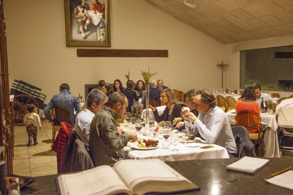 Cena cochinillo Masia La MotaIMG_0582