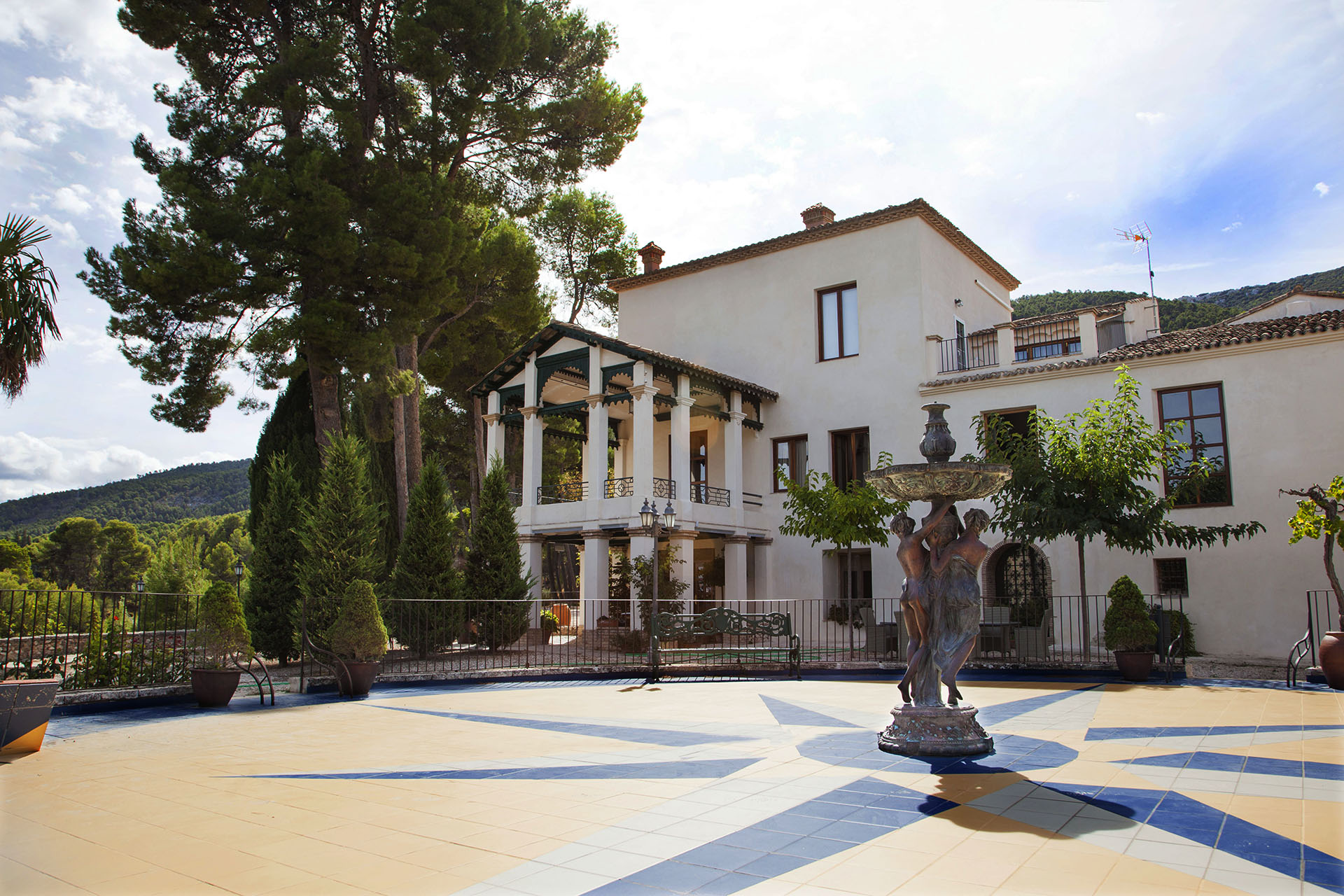 Hotel-con-encanto-Masia-La-Mota-023-2